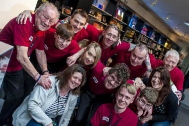Foto: Volunteering for wellbeing is een van de vele succesvolle door het National Lottery Heritage Fund gesubsidieerde projecten © Jason Lawton / Imperial War Museum North
