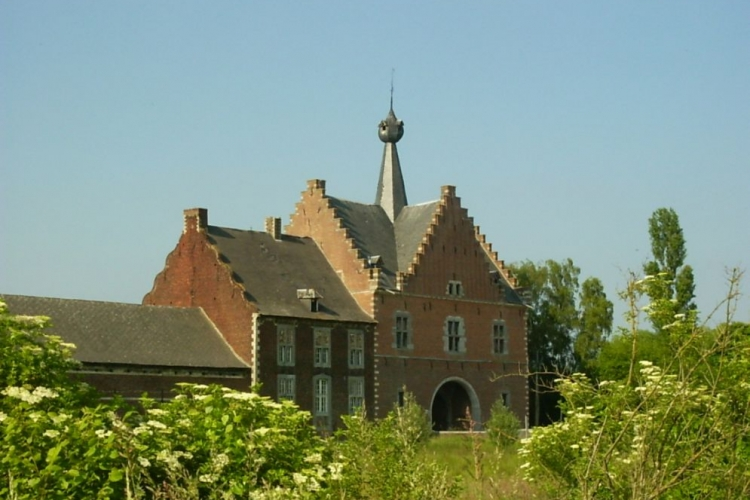 Poortgebouw Abdij Herkenrode. Paul Hermans via Wikimedia Commons, CC BY-SA 3.0